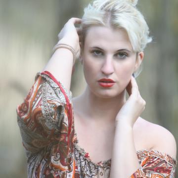 Nicole Sylvie